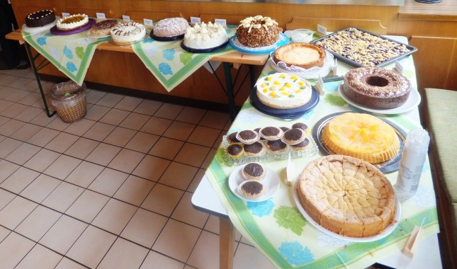 Torten- und Kuchenbüffet